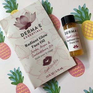 💜3 for $10! DERMA-E Radiant Glow Face Oil